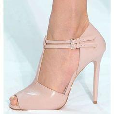 Shoe Boots, Shoes Sandals, Dress Shoes, Pretty Shoes, Beautiful Shoes, Shoes World, Hot Heels, Stiletto Pumps, Shoe Collection