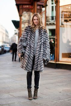 kick ass fur. #EkaterinaMukhina in Paris.