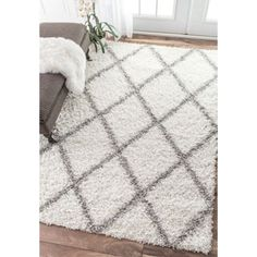 $121 nuLOOM Soft and Plush Modern Diamond Trellis Moroccan Lattice Shag White Rug (5' x 8') | Overstock.com Shopping - The Best Deals on 5x8 - 6x9 Rugs