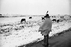 Wounded Knee Siege, SD (1973)  Photographer Jim Hubbard