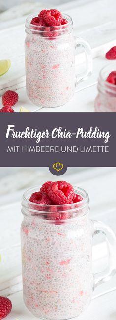 Chia-Samen quellen über Nacht in Kokosmilch und griechischem Joghurt und sind am nächsten Morgen bereit, um als leckerer Pudding gelöffelt zu werden. Dazu ein Hauch Limette und Himbeeren.