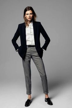 Clothing Business look women - gray pants, white shirt and black blazer ClothingSource : Business Look Frauen - graue Hose, weißes Hemd und schwarzer Blazer by Business Fashion, Business Mode, Business Chic, Business Formal, Estilo Boyish, Estilo Tomboy, Tomboy Chic, Tomboy Style, Casual Chic