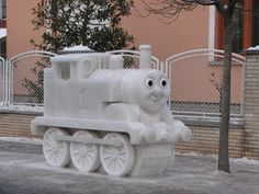 Vecsés - Hungary 2012 Snow Sculptures, Lion Sculpture, Ice Art, Snow Art, Sidewalk Art, Sidewalks, Snow And Ice, Snowmen, Hungary
