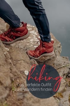 Hiking-Outfits für Alltagsabenteuer und die Outdoor-Community von Outside Stories! | New Moon Club Wander Outfits, Surf Poncho, New Moon, Save The Planet, Plein Air, Outdoor Outfit, Clothes For Women, Sneakers, Shoes