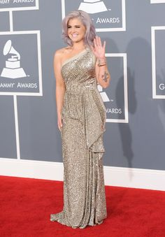 kelly osborne violet hair | Pictures: Kelly Osbourne Shows Off Purple Hair, Curves at the Grammys