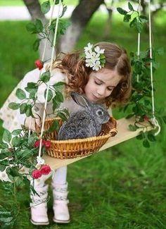 Пусть радует весна теплом , Прекрасным словом , нежным взглядом И птичьим пеньем за окном , И счастьем, что повсюду рядом ! Пусть исполняет все мечт... - Марина Крупнова - Google+