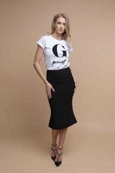 Feminine and stylish black midi skirt perfect for everyday and special occasion such as parties :) Black Midi Skirt, Night Club, Special Occasion, Cool Outfits, Parties, Feminine, Stylish, Womens Fashion, Skirts
