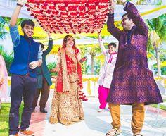 Happy brides are the prettiest...captured perfectly by @kreativeeye #bigindianwedding #indianwedding #wedding #weddingphotography #indianbride #bridalshoot #bridalfashion #bridalbeauty #bridalmakeup #bridallook #bridaljewelry #bridallookbook #redlehenga #happybride #prettybride