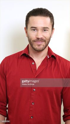 tom-pelphrey-attends-the-meet-and-greet-for-the-cast-of-fool-for-love-picture-id486240784 (579×1024)