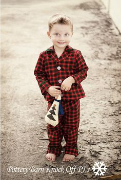 Lindo pijama para meninos, com moldes e tutorial! http://www.sewinginnomansland.com/2010/12/18/sixth-day-of-christmas-knock-off-potterybarn-christmas-pajamas/