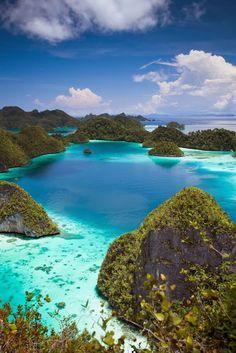 Wayag Island,Indonesia: