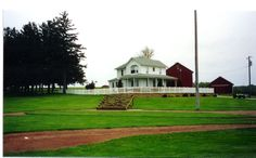 the real Field of Dreams in Dyersville, Iowa Four Square Homes, Backyard Baseball, Fantasy Baseball, Field Of Dreams, Home Again, First Apartment, Baseball Field, Baseball Pants, Dyersville Iowa