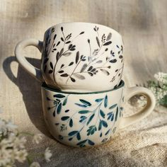 Blue Pottery, Ceramic Pottery, Hand Painted Ceramics, Porcelain Ceramics, Ceramic Cafe, Pottery Handbuilding, Plate Wall Decor, Cup Design, Ceramic Painting
