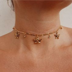 Thankyou so much for your patience on this restock Angels 💖 the Baroque Charm Choker is back! Tap to shop ✨ We'll take one of each please. Soooo much newness…Vergoldete Star Charm Creolen - fashion Dainty Jewelry, Cute Jewelry, Jewelry Accessories, Jewelry Necklaces, Women Jewelry, Fashion Jewelry, Gold Bracelets, Bohemian Jewelry, Delicate Necklaces