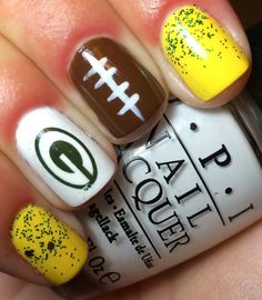 Nails by an OPI Addict: Green Bay Packers! Football Nail Designs, Football Nail Art, Dot Nail Art, Polka Dot Nails, Polka Dots, Gel Nail Designs, Cute Nail Designs, Art Designs, Cute Nails