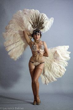 Zelia Rose, the Australian Burlesque Dancer based in Melbourne. Winner of Best Debut at Burlesque Hall of Fame (BHOF) Miss Burlesque Australia Showgirls, Cabaret, Burlesque, Muse, Pin Up, Dancer, Gallery, People, Roof Rack