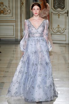 Luisa Beccaria Spring 2016 Ready-to-Wear Fashion Show Collection Luisa Beccaria, Beautiful Gowns, Beautiful Outfits, Couture Fashion, Runway Fashion, Milan Fashion, Vogue Fashion, Fashion Trends, Fashion Week
