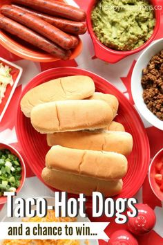 Taco Hot Dogs - Make your summer BBQ memorable this year with a Taco Hot Dog Bar - Happy Hooligans Hot Dog Recipes, Barbecue Recipes, Pork Recipes, Easy Family Meals, Easy Meals, Hot Dog Buns, Hot Dogs, How To Make Taco, Best Bbq