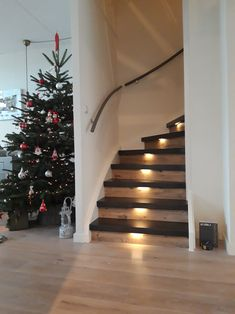 Flooring For Stairs, Basement Stairs, Home Stairs Design, House Design, Modern Farmhouse Living Room Decor, All White Room, House Staircase, Staircase Makeover, Stair Lighting
