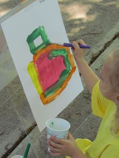 Simple easels for outdoor painting from Teach Preschool