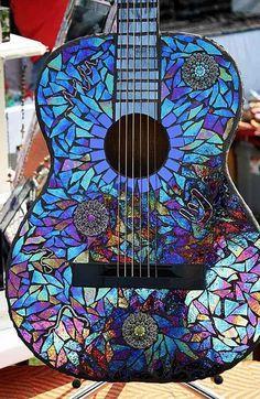 reutilizar cd para decorar guitarra
