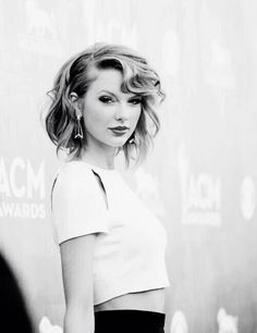 wait. is that even taylor swift? i dont know..
