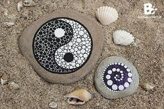 DIY Mandala Stones Tutorials colorful-crafts.com