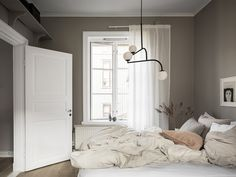 〚 Small Scandinavian apartment with warm interiors sqm) 〛 ◾ Photos ◾Ideas◾ Design Scandinavian Apartment, House Roof, Mid Century House, Bedroom Inspo, Interior Inspiration, New Homes, House Design, Interior Design, Home Decor