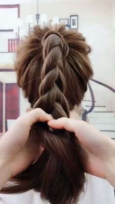 Related posts: 15 Easy Hairstyles For Long Hair Simple Ponytail Hairstyles for Women Chic – # for … Fast and easy medium length hairstyles hairstyles EASY HAIRSTYLES HAIR TUTORIAL so excited to share these easy hairstyles… Medium Hair Styles, Curly Hair Styles, High Ponytail Hairstyles, Easy Braided Hairstyles, Easy Hairstyle Video, Simple Ponytails, Braids Easy, Long Hair Video, Hair Videos