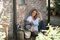 Supermodel / Entrepreneur Frederique van der Wal Expands Her Flower Business into US  Read Entire Article At: http://designlifenetwork.com/frederique-flowers  #1800flowers #FrederiquevanderWal #Horoscope #flowers #floral