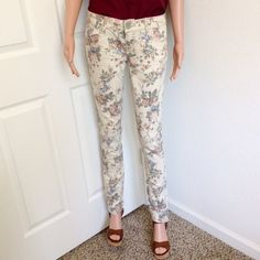 """Almost Famous Printed Skinny Pants ✔New with tag (hanging tags removed & is unavailable, only back tags). Inseam 33""""; Label says size 5. W30"""".  ✔Stretch. 2% spandex, 75% cotton, 23% polyester. ✔Reasonable offers or bundle 3 items or more to get 20% discount. ✔Same day shipping ✔Packaging - your item is wrapped in a new gift tissue, placed in a new plastic shopping bag & topped with a thank you card. ✔Inquiries, questions and requests are welcome. ✖No Paypal transaction outside Poshmark; no…"""