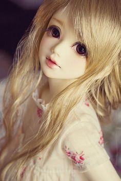 In my dolly dreams I have a Unoa BJD.