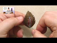 ▶ Beadweaving Basics: Filling in the Center of a Russian Leaf - YouTube