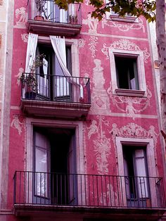 Pink apartment building facade on Las Ramblas, Barcelona, Spain Beautiful Buildings, Beautiful Places, Colourful Buildings, Colorful Houses, Beautiful Ruins, City Buildings, Beautiful Homes, Balkon Design, Pink Houses
