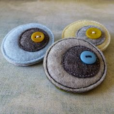 eclectic me blog: layers of lovely dots.....polka dot series of wool felt & button brooches by Gillian Hamilton