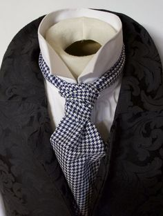 day-cravat-tied-as-ruche-or-scrunchie-3.gif (482×640)
