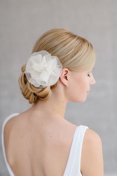 Bridal Silk Flower Wedding Hair Flower Headpiece door BelleJulieShop €124