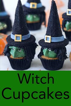 These witchy Halloween cupcakes from Preppy Kitchen will knock your guests' socks off but they're delicious too! Spooky faces are piped with buttercream while the hats are made with a candy-filled ice cream cone chocolate sugar. Bolo Halloween, Pasteles Halloween, Recetas Halloween, Dessert Halloween, Halloween Goodies, Halloween Food For Party, Spooky Halloween, Halloween Treats For School, Halloween Potluck Ideas