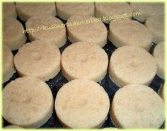 POLVORON JUST LIKE GOLDILOCKS ..... Polvoron  1 cup sifted All-purpose flour 1/2 cup full-cream powdered milk (KLIM or Nido) 1/2 cup sugar 1/2 cup soft butter 1/2 tsp vanilla extract~~