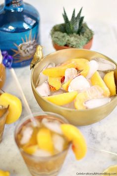 Try this sparkling peach margarita for a delicious twist on the classic. Keep it cold with a mix of ice and frozen peach slices. #AlexiaSimplySpring