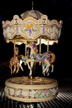 Music box carousel #TuscanyAgriturismoGiratola