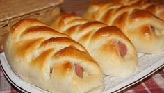 Sausage with potatoes in the dough / Amazing Cooking Good Food, Yummy Food, Delicious Recipes, Salty Foods, Tasty Dishes, Hot Dog Buns, Bagel, Baking Recipes, Appetizers