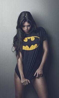 Femme Fatale : Photography : Black and White : T-Shirt : Batman Fotografia Boudoir, Look Fashion, Fashion Beauty, Fashion Women, Sexy Women, Sexiest Women, Cosplay, Geek Girls, Models