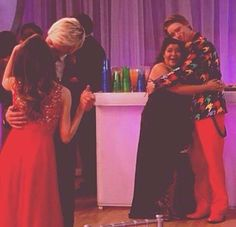 Auslly kissing