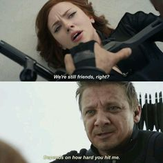 The only realistic way Natasha Romanoff / Black Widow and Clint Barton / Hawkeye could fight against each other in Captain America: Civil War. Loved this bit most Funny Marvel Memes, Marvel Jokes, Dc Memes, Marvel Dc Comics, Marvel Heroes, Funny Memes, Hilarious, Hawkeye, Marvel Universe