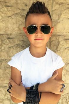Mohawk Spiky Styles ❤ Choosing your boy haircuts is a tough job, since kids these days are all about fashion. With us you will learn everything about the recent boy hair trends! Stylish Boy Haircuts, Trendy Mens Hairstyles, Little Boy Hairstyles, Mohawk Hairstyles, Haircuts For Men, Little Boy Mohawk, Boys Mohawk, Hair Starting, Stylish Boys