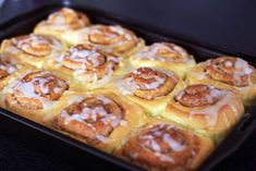 Vynikající skořicové rolky. Nepečte je, pokud se nemáte s kým podělit, jinak hrozí, že je sníte všec | Veganotic Pumpkin Cinnamon Rolls, Cruelty Free, Starbucks, Sweet Tooth, French Toast, Deserts, Muffin, Bread, Baking