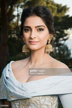 Sonam kapoor cannes light blue gold makeup