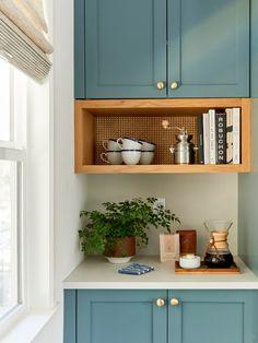 Saker kitchen cabinet color ideas // Semihandmade DIY Shaker cabinet fronts