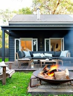 Sell outdoor space  An inviting deck and well maintained garden adds lifestyle, an extra outdoor room... and Value!